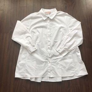 Pennington's classic white button up shirt